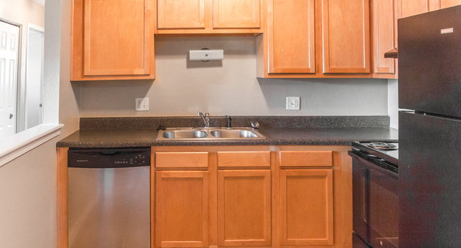 Plenty of Counter Space in Your Kitchen for Cooking