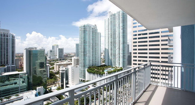 Image Of The Yacht Club At Brickell In Miami Fl