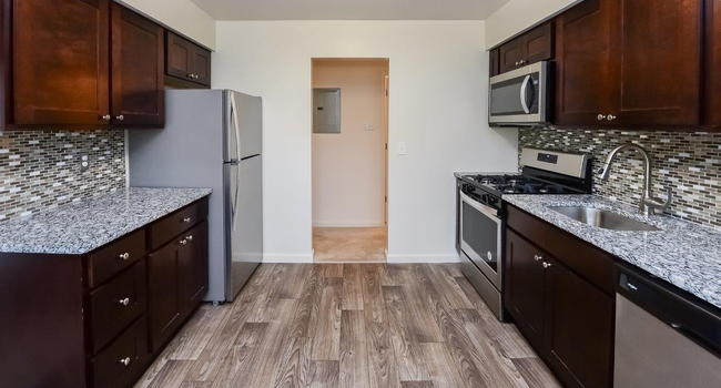 Image of Tanglewood Terrace Apartments in Piscataway, NJ