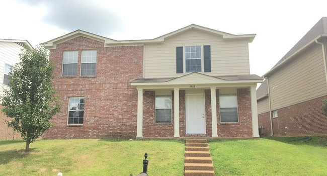 Image of 9963 Chariden Dr in Cordova, TN
