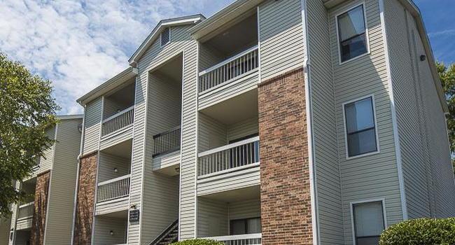 Landmark at Pine Court Apartment Homes - 210 Reviews ...