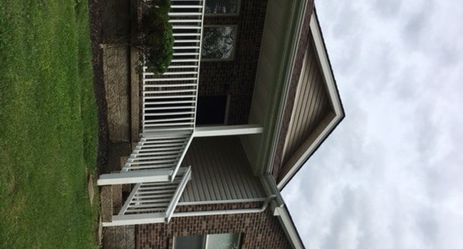 Image of 9804 Williamsborough Ln in Louisville, KY