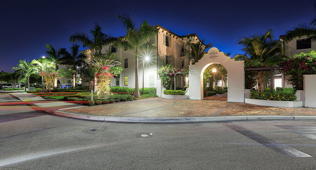 Incredible landscape around our luxury apartments in Delray Beach.