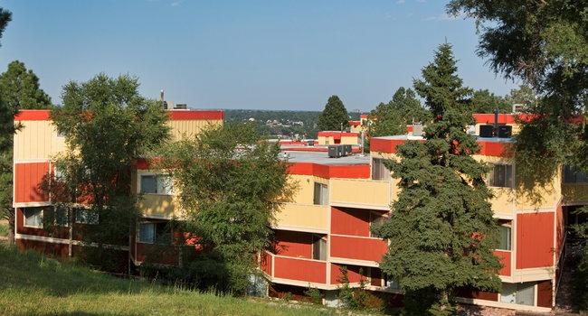 Crest View Apartments 92 Reviews Colorado Springs Co Apartments