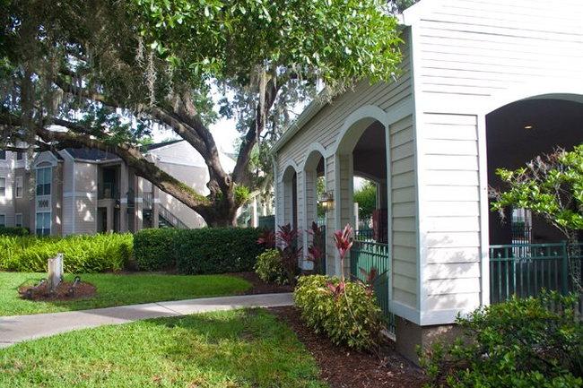 Waterford at Cypress Lake Apartments - 32 Reviews | Tampa, FL