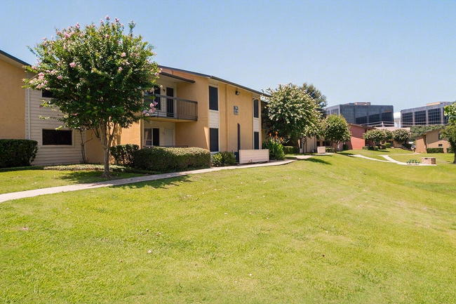 Tower Village Apartments 310 Reviews Irving Tx