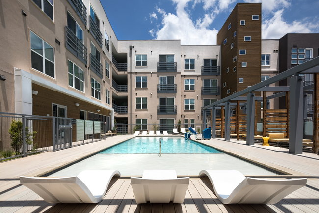 The Standard at Domain - 24 Reviews | Austin, TX Apartments